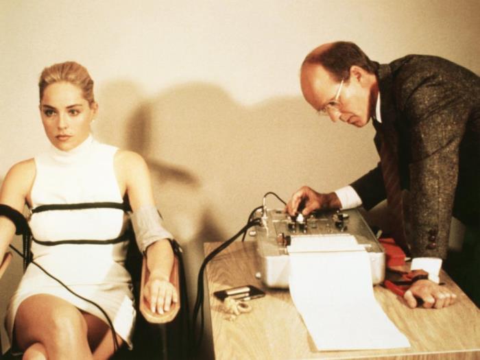 Кадр из фильма *Основной инстинкт*, 1992 | Фото: film.ru