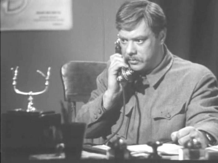Владимир Баталов в фильме *Ночь в сентябре*, 1939 | Фото: kino-teatr.ru