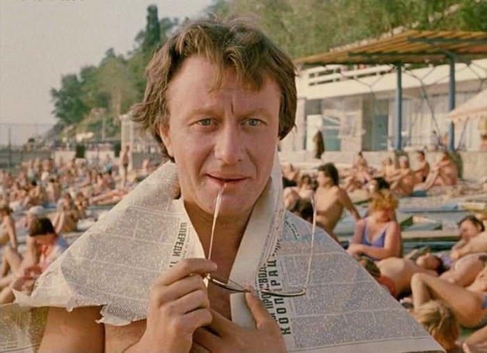 Андрей Миронов в фильме *Будьте моим мужем*, 1981 | Фото: yaplakal.com
