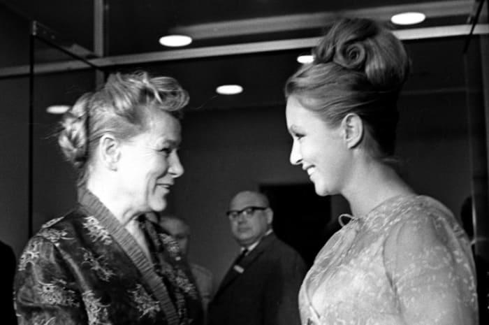 Екатерина Фурцева и Марина Влади, 1961 | Фото: aif.md