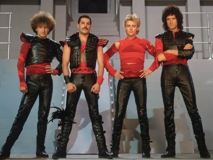 Фредди Меркьюри и группа *Queen* | Фото: supercoolpics.com