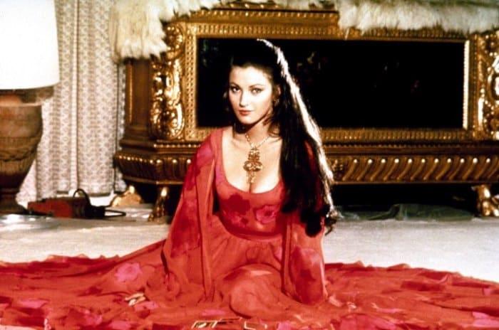 Джейн Сеймур в роли девушки Бонда, 1973 | Фото: cosmo.ru