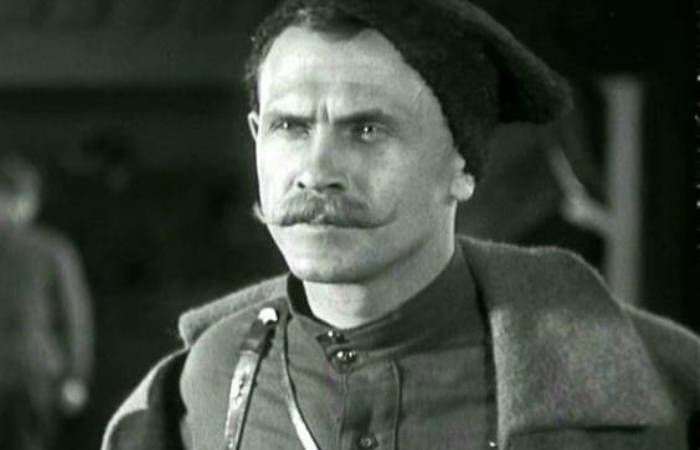 Борис Бабочкин в роли Чапаева | Фото: dayofru.com