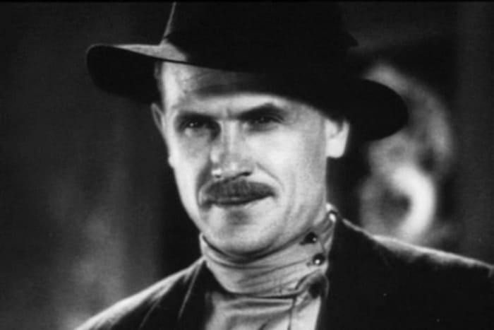 Борис Бабочкин в фильме *Подруги*, 1935 | Фото: kino-teatr.ru
