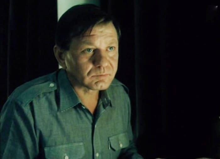 Борис Сморчков в фильме *Я в полном порядке*, 1989 | Фото: kino-teatr.ru