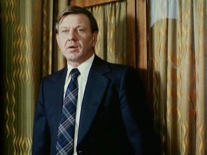 Кадр из фильма *Не стреляйте в пассажира!*, 1993 | Фото: kino-teatr.ru