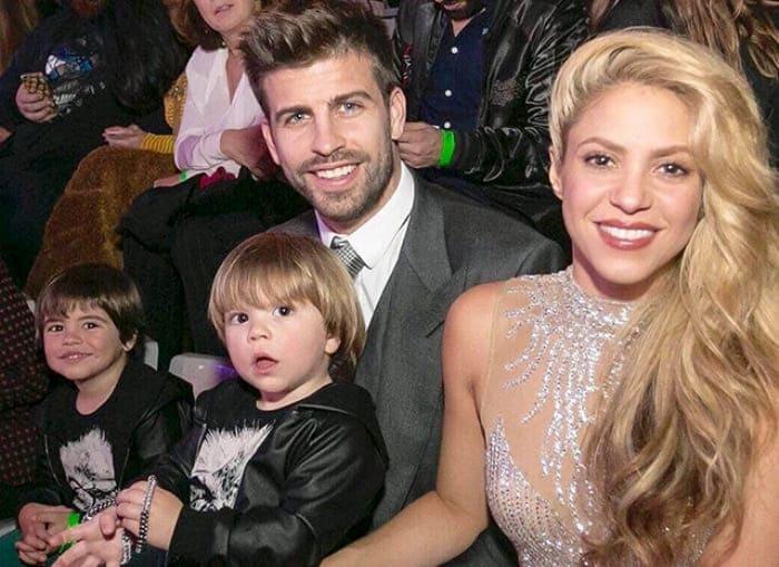 Жерар Пике и Шакира с детьми | Фото: ru.hellomagazine.com