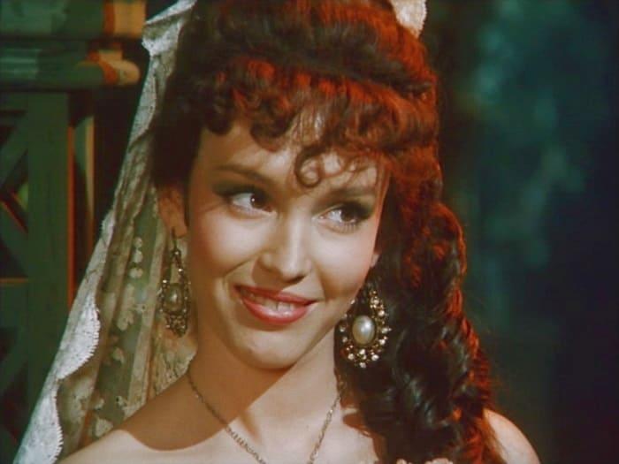 Кадр из фильма *Дон Сезар де Базан*, 1989   Фото: kino-teatr.ru