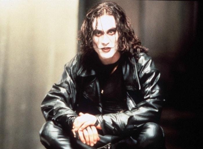 Брэндон Ли на съемках фильма *Ворон*, 1993 | Фото: tvc.ru