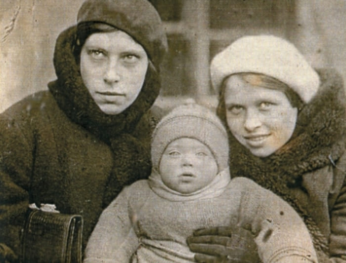 Алиса Фрейндлих с тетей Дагмарой и матерью | Фото: kino-teatr.ru