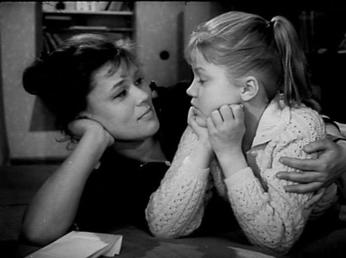 Кадр из фильма *Звонят, откройте дверь*, 1965   Фото: kino-teatr.ru
