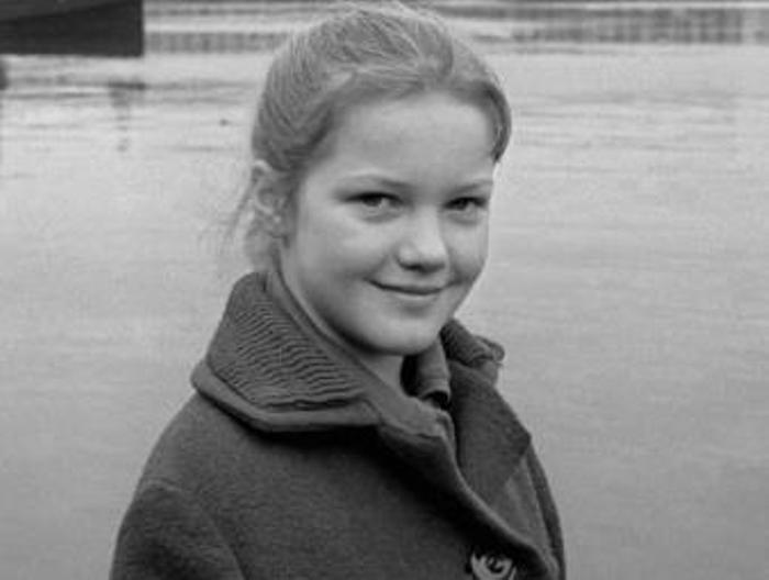 Лена Проклова в школьные годы   Фото: biography-life.ru