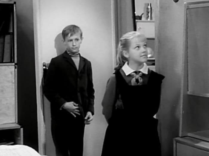 Кадр из фильма *Звонят, откройте дверь*, 1965   Фото: vokrug.tv
