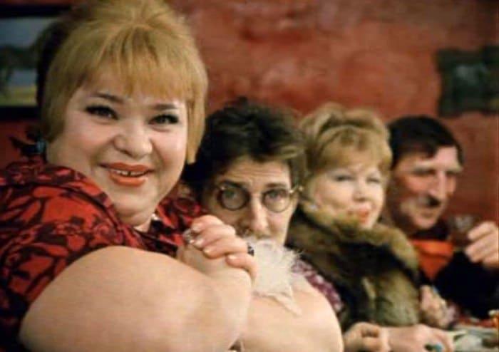 Наталья Крачковская в фильме *Не может быть!*, 1975 | Фото: kino-teatr.ru