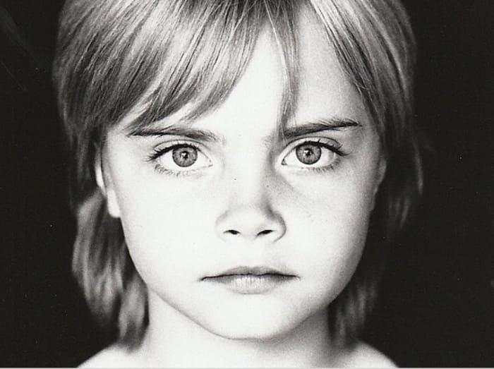 Кара Делевинь в детстве | Фото: viva.ua