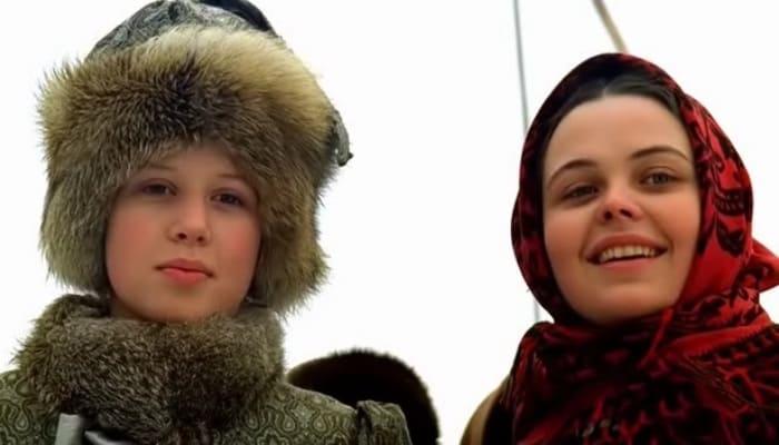 Каролина Грушка (слева) в фильме *Русский бунт*, 1999 | Фото: ovideo.ru