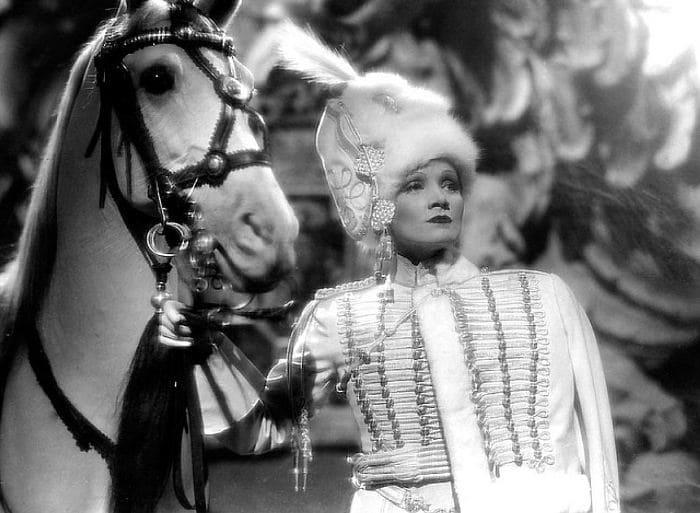 Марлен Дитрих в фильме *Кровавая императрица*, 1934 | Фото: kinoistoria.ru