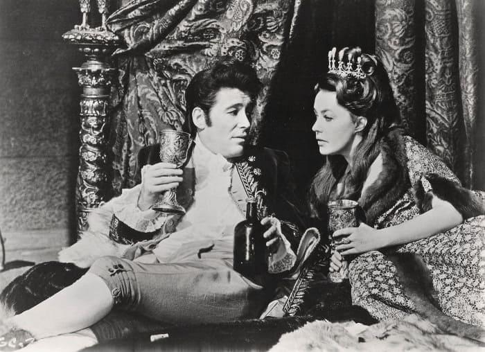 Жанна Моро в фильме *Екатерина Великая*, 1968 | Фото: kino-teatr.ru