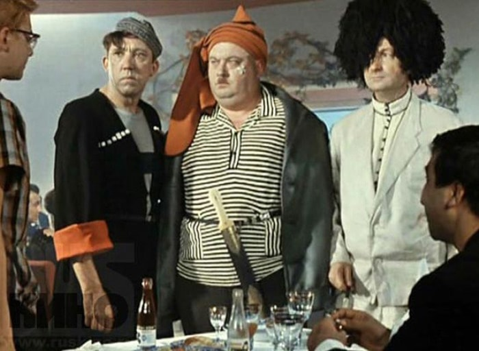 Кадр из фильма *Кавказская пленница*, 1966 | Фото: kino-teatr.ru