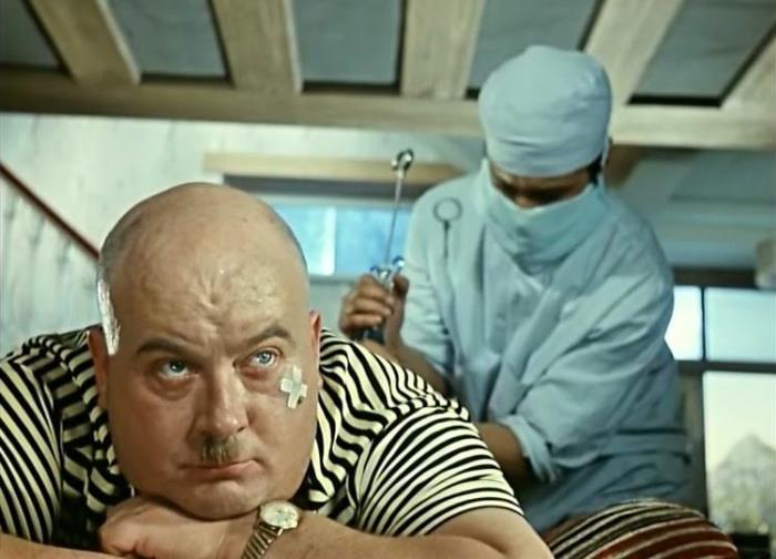 Евгений Моргунов в фильме *Кавказская пленница*, 1966 | Фото: photochronograph.ru