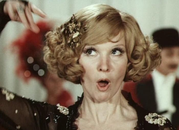 Людмила Гурченко в фильме *Небесные ласточки*, 1976 | Фото: liveinternet.ru