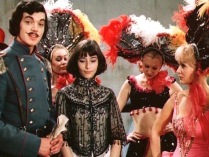 Кадр из фильма *Небесные ласточки*, 1976 | Фото: liveinternet.ru
