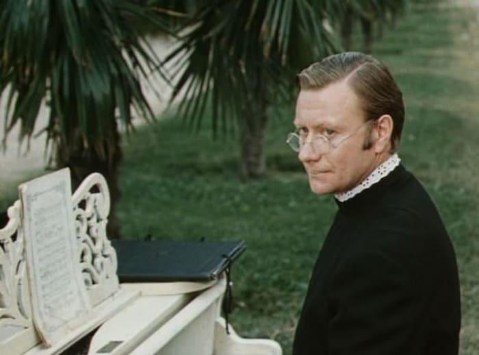 Андрей Миронов в фильме *Небесные ласточки*, 1976 | Фото: liveinternet.ru