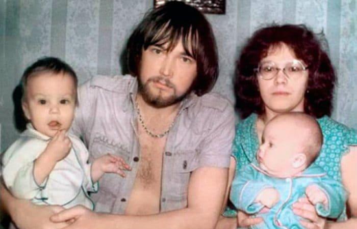 Братья Чадовы с родителями | Фото: uznayvse.ru