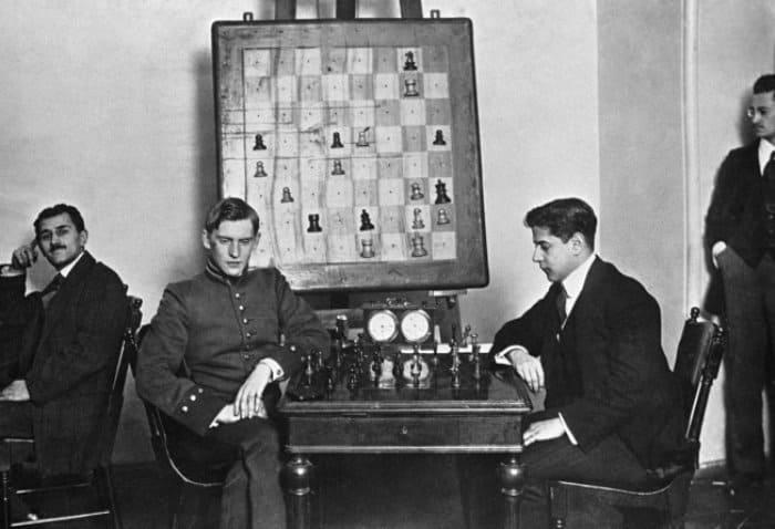 Два чемпиона мира по шахматам – Александр Алехин и Хосе Капабланка | Фото: sputnik-georgia.ru