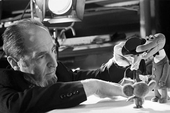 Художник Леонид Шварцман со своими героями | Фото: dubikvit.livejournal.com