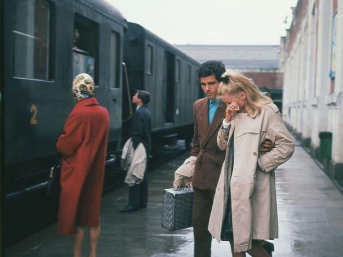 Кадр из фильма *Шербурские зонтики*, 1964 | Фото: tvkinoradio.ru