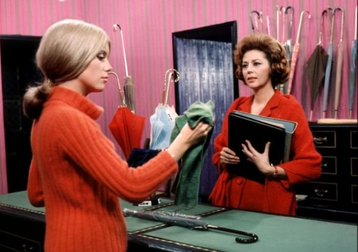 Кадр из фильма *Шербурские зонтики*, 1964 | Фото: vokrug.tv