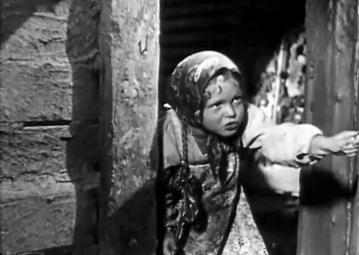 Гуля Королева в фильме *Бабы рязанские*, 1927 | Фото: kino-teatr.ru