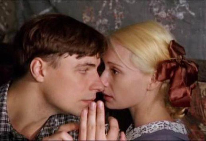 Кадр из сериала *Дети Арбата*, 2004 | Фото: kino-teatr.ru