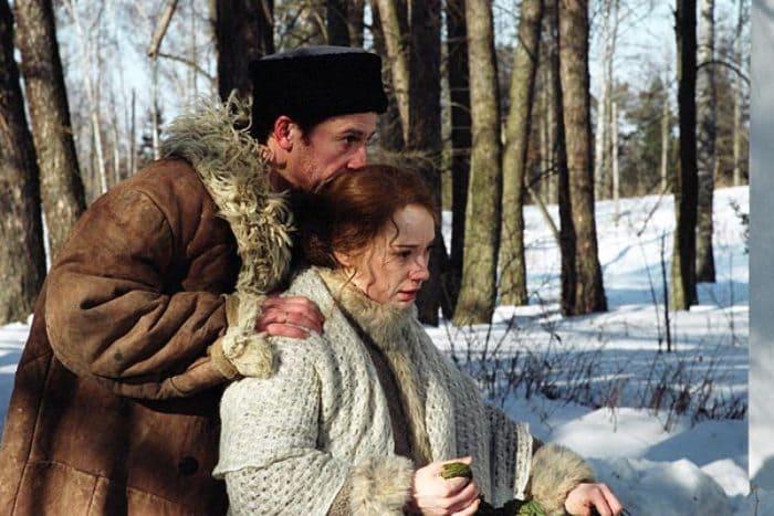 Кадр из сериала *Доктор Живаго*, 2005 | Фото: kino-teatr.ru