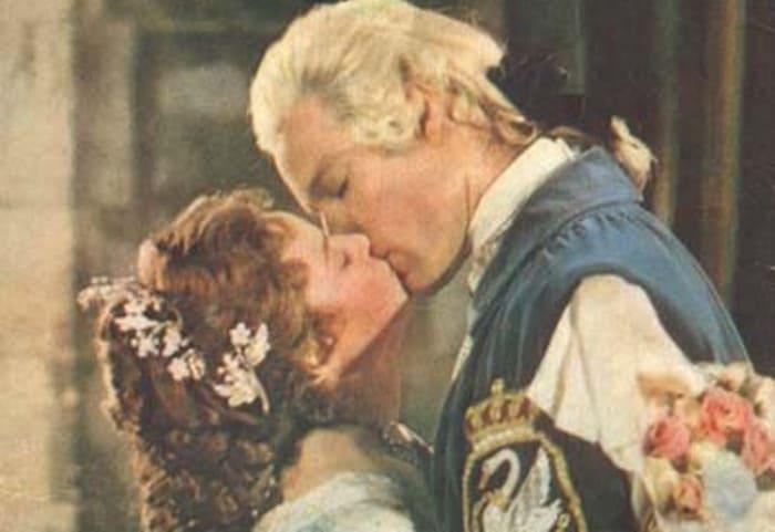 Кадр из мюзикла *Туфелька и роза*, 1976 | Фото: film.ru