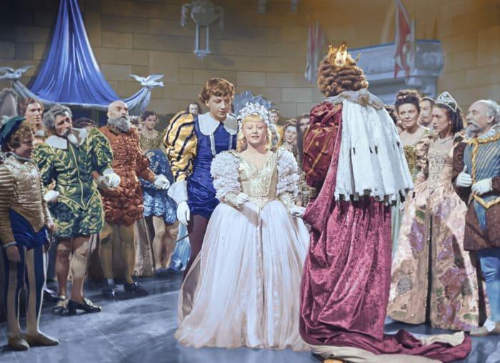 Кадр из фильма *Золушка*, 1947 | Фото: film.ru