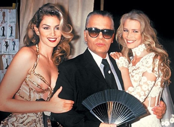 Синди Кроуфорд с Карлом Лагерфельдом и Клаудией Шиффер, 1993 | Фото: tele.ru