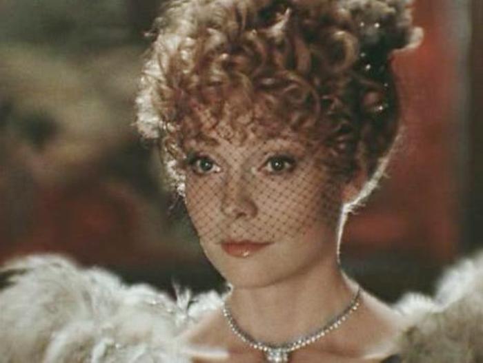 Наталья Белохвостикова в фильме *Принцесса цирка*, 1982 | Фото: kino-teatr.ru