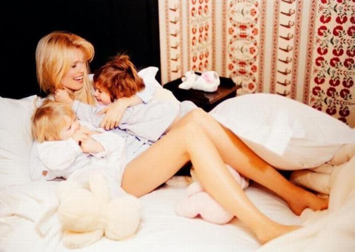 Супермодель с детьми | Фото: liveinternet.ru