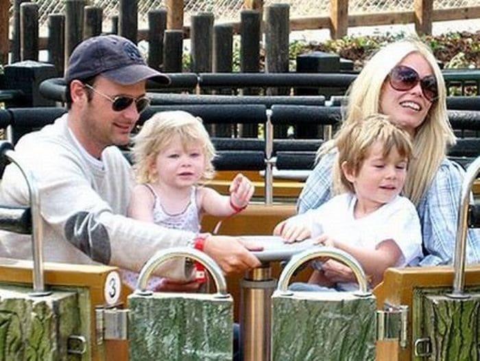 Клаудия Шиффер с мужем Мэттью Воном и детьми | Фото: uznayvse.ru