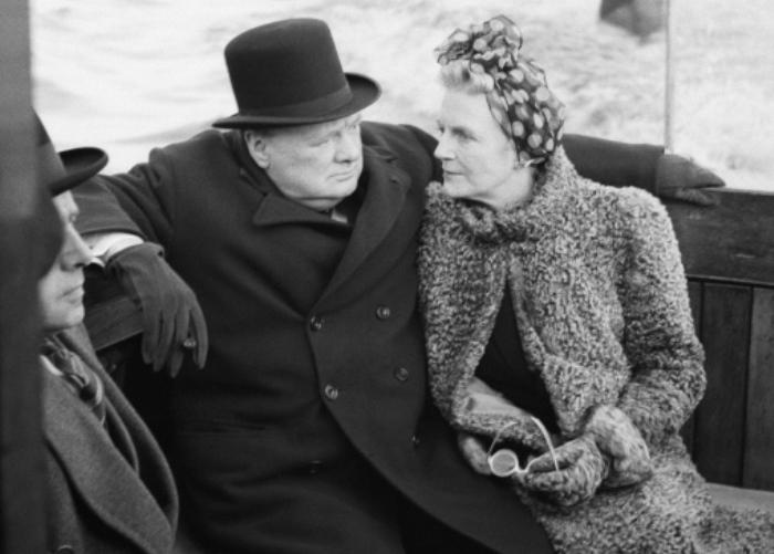 Уинстон Черчилль с женой Клементиной спустя годы после свадьбы