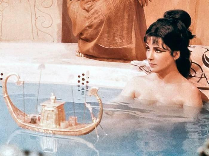 Кадр из фильма *Клеопатра*, 1963 | Фото: love2beauty.ru