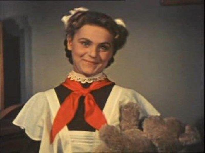 Ирина Асмус в фильме *Новые похождения Кота в сапогах*, 1958 | Фото: liveinternet.ru