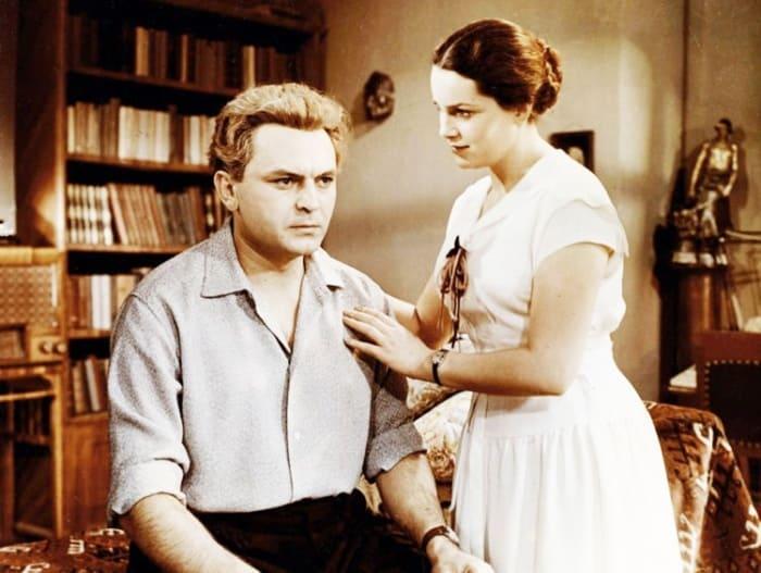 Кадр из фильма *Неоконченная повесть*, 1955 | Фото: kino-teatr.ru
