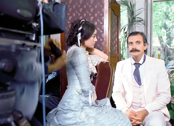 На съемках фильма *Жестокий романс*, 1984 | Фото: dubikvit.livejournal.com