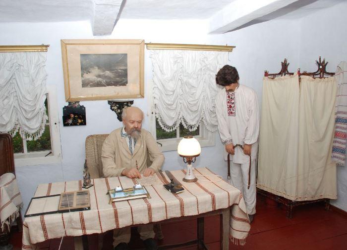 В доме-музее Даниила Заболотного в селе Чеботарка (Заболотное) | Фото: i-vin.info