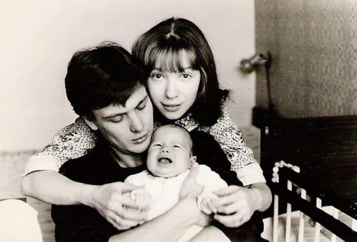 Дарья Мороз с родителями, 1983 | Фото: wday.ru