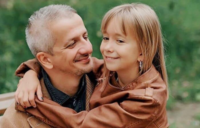 Режиссер с дочерью   Фото: spletnik.ru