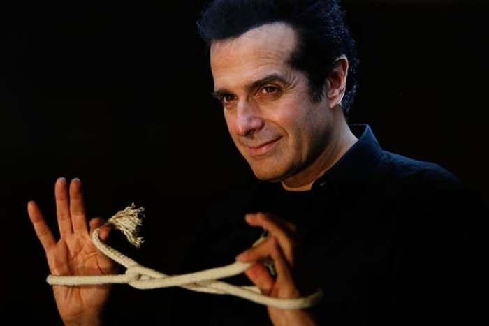 Один из самых известных и самых успешных в мире иллюзионистов Дэвид Копперфильд | Фото: anime-net.ru